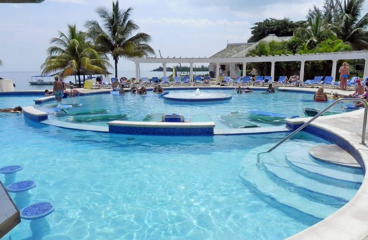 Private Airport Transfer From Kingston To Jewel Runaway Bay Resort