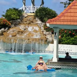 montego-bay-airport-transfer-to-jewel-dunns-river-beach-resort