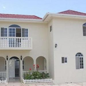 montego-bay-airport-transfer-to-retreat-guesthouse-luxury-suites