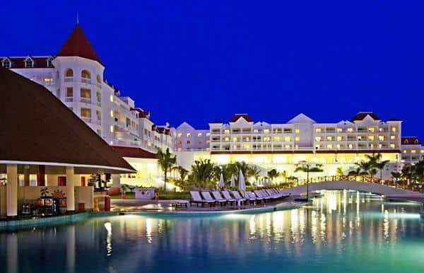 Montego bay airport transfers to gran bahia principe jamaica for Hotel luxury jamaica