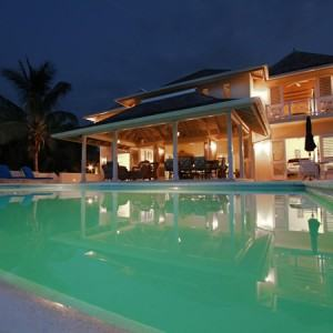 Montego Bay Airport Transfers to Plum Paradise Villa